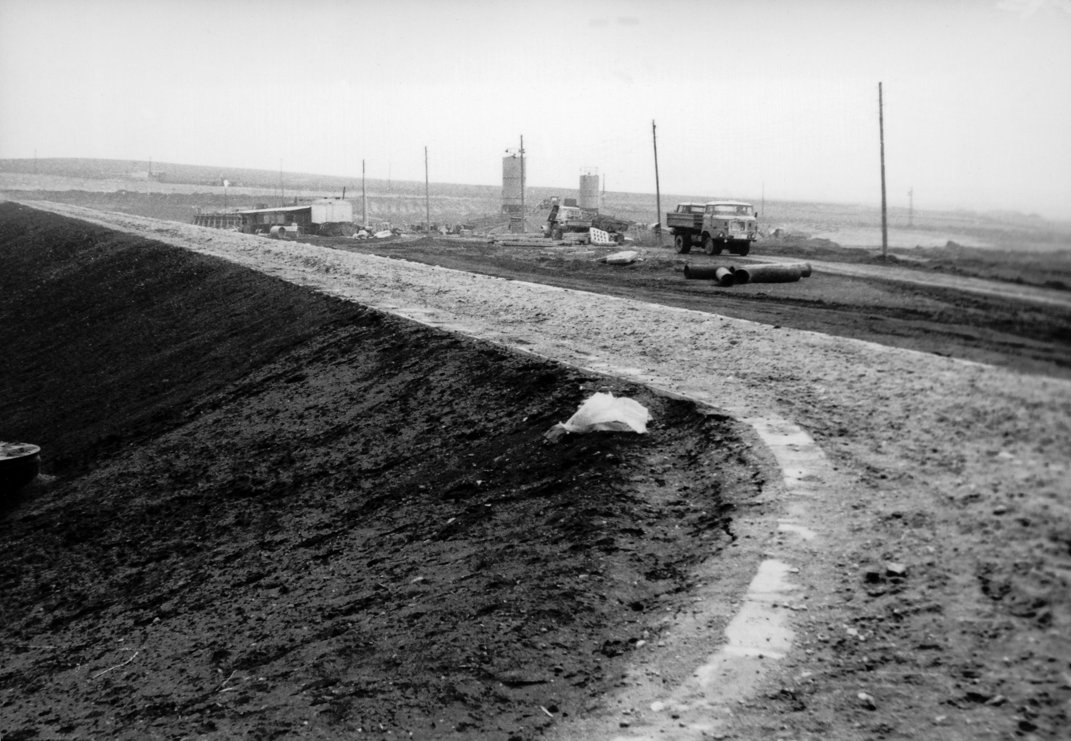 1960er Jahre Errichtung der Staumauer